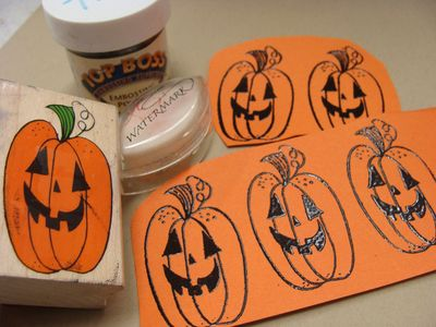 Happy haunting card - stamp and emboss